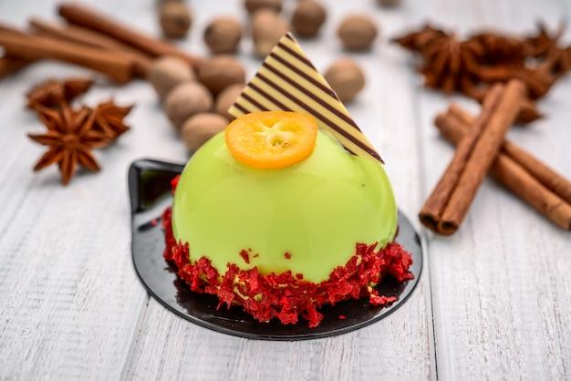 Фруктовый десерт, панакота по дереву