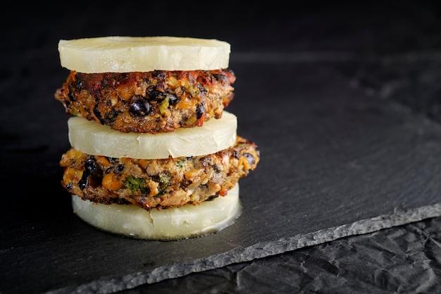 野菜ビーガンポルタベッロ黒豆ひよこ豆バーガー