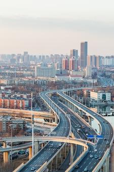 Панорамный вид на городской пейзаж