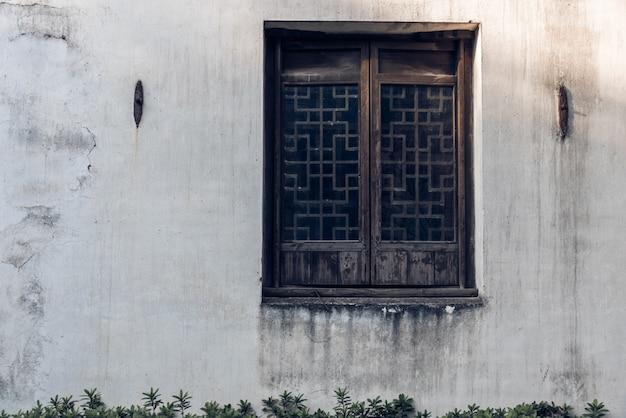 Белые стены и окна, архитектура хуэйчжоу, китай