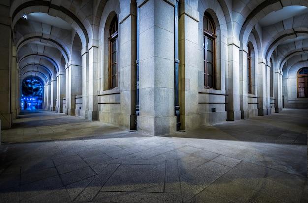 ヴィンテージ建築の広場