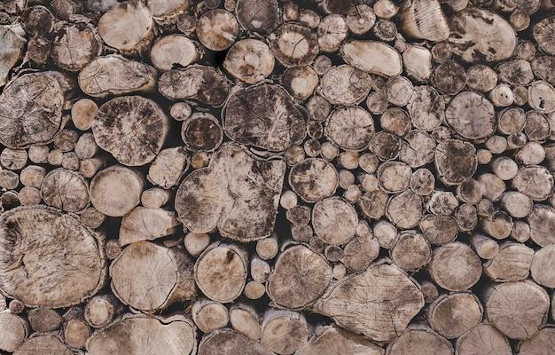 丸いチーク材の木の切り株の背景