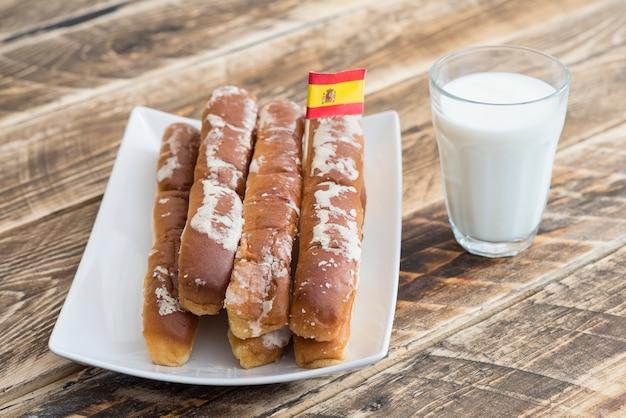 Орчата и фартоны типичный десерт испании