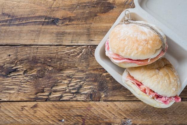 ハムのサンドイッチ(ハモンイベリコ)