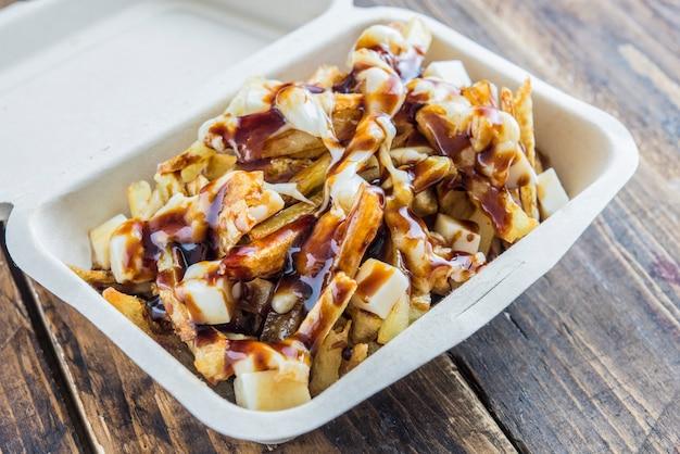 カナダの典型的な屋台の食べ物