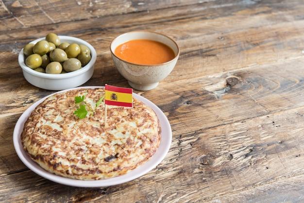 スペインのオムレツの典型的なタパ