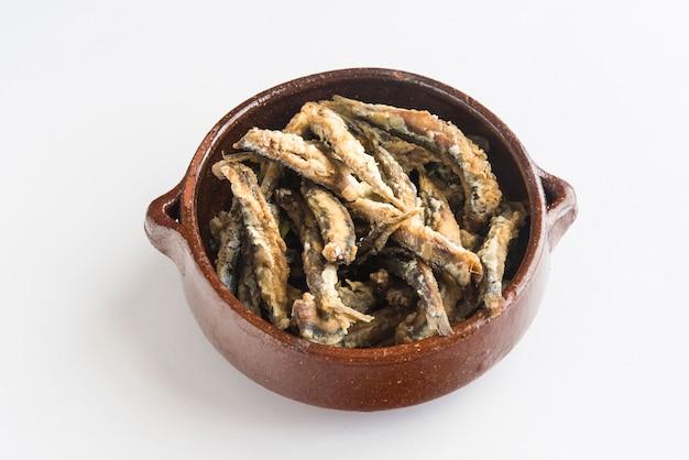 Жареные сардины (типичная испанская тапа), песо фрито
