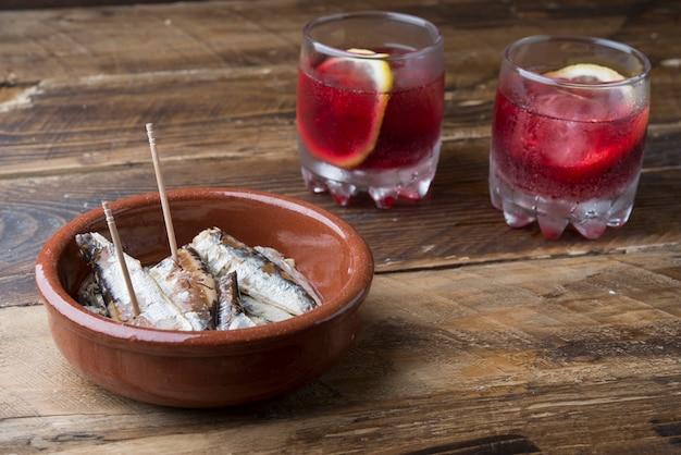 昼食前の典型的な料理(スペイン)
