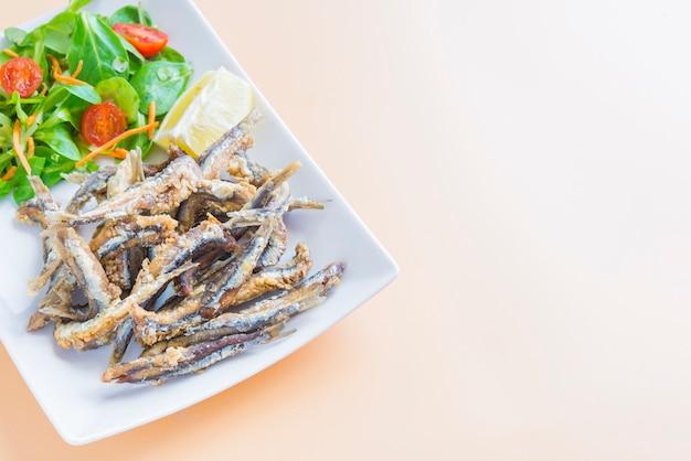 Типичная тапа рыбы в испании