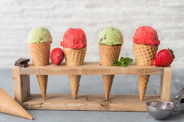 ミントとショコラとストロベリーのアイスクリーム