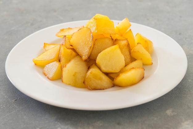 Пататас бравас традиционный испанский картофель закуска тапас