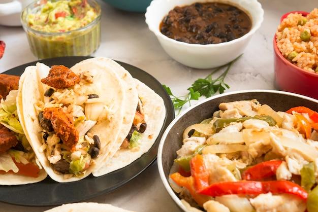 伝統的なメキシコ料理