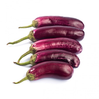 ナスまたはナスまたはナスの野菜が分離されました。