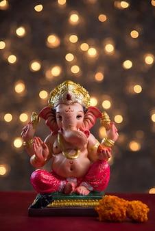 Индуистский бог ганеша на блюреде бохе, ганеша идол.
