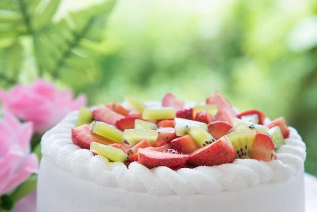 イチゴとキウイのショートケーキ