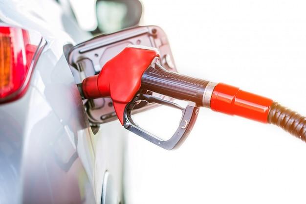 ガソリンスタンドでガソリンポンプガソリン。