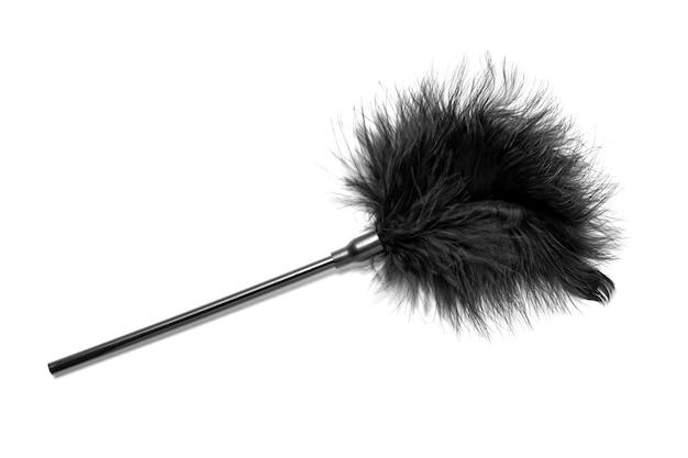 Черный пернатый фетиш снаряжение палкой кнутом.