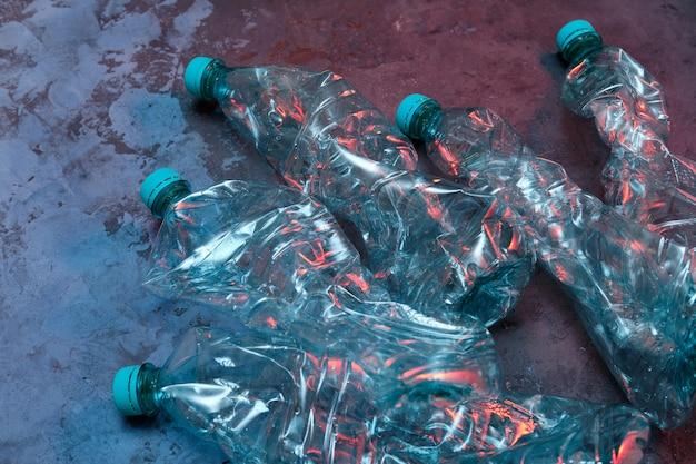 ペットボトル、リサイクル廃棄物管理。汚染災害