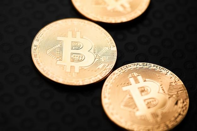ビットコインと仮想マネー。