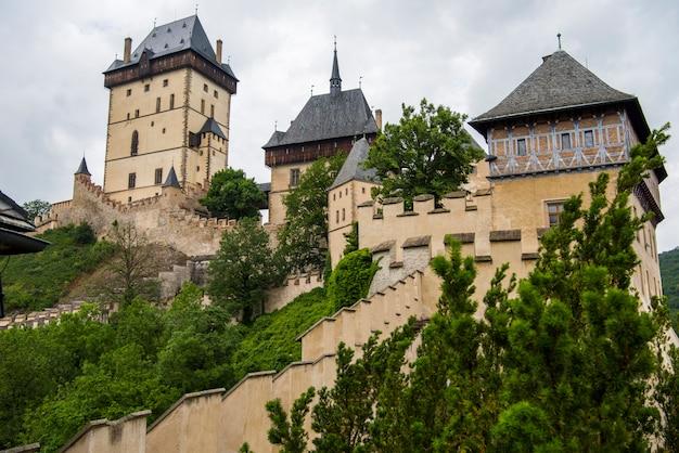 Королевский замок карлштейн в чехии.