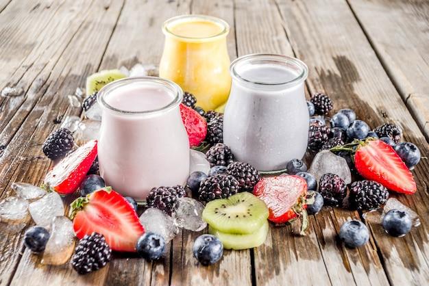 Летний фруктово-ягодный смузи