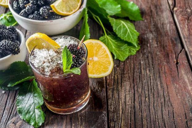 Шелковичный лимонад или коктейль мохито
