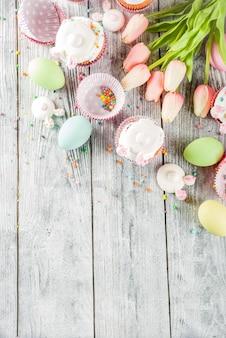 Пасхальные яйца и зайчики кексы