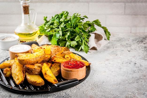 Запеченный жареный картофель