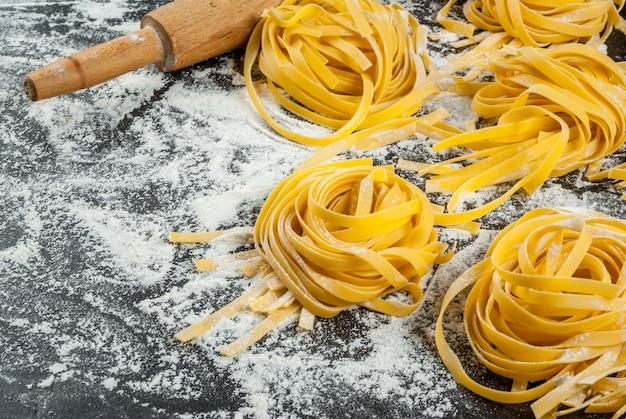 Домашняя свежая сырая паста
