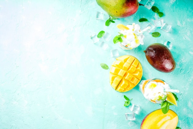 Тропический молочный коктейль с манго