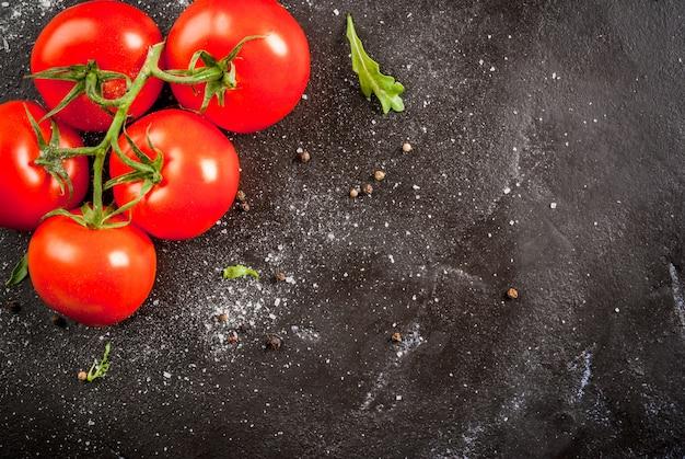 スパイスとトマト