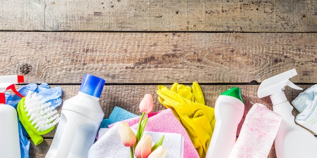 春の家の掃除と家事の背景