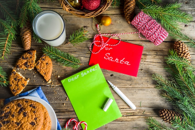クリスマスミルクとサンタのクッキー