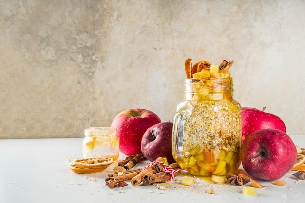 秋のリンゴ一晩オートミール