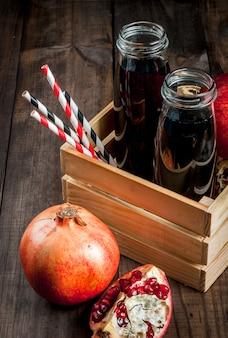 Домашний гранатовый сок в бутылках