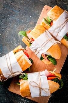 Свежие сэндвичи с багетом