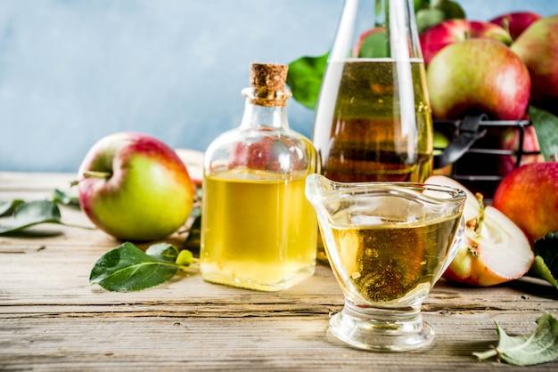 新鮮なリンゴとシナモンとアニスのスパイスと自家製アップルサイダー