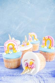 かわいいユニコーンカップケーキ