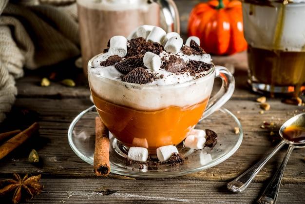Осень зима теплые напитки, горячий шоколад, тыквенный латте, карамельный и арахисовый кофе латте, глинтвейн