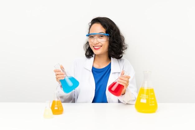 科学的なアジアの少女