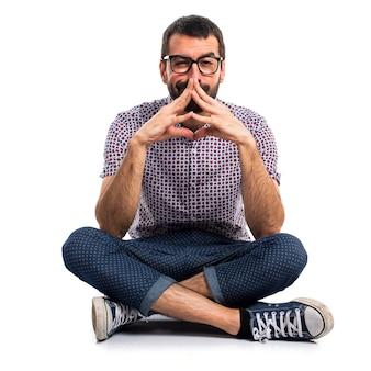 Человек с очками