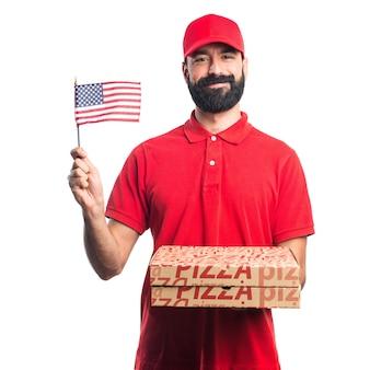Человек доставки пиццы, держащий американский флаг
