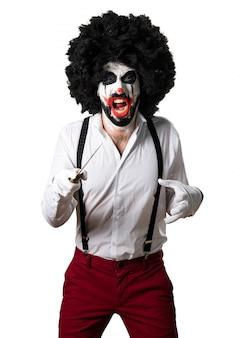 Убийственный клоун с ножом