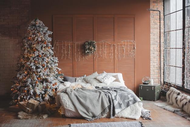 寝室のクリスマスデザイン。まだ部屋にクリスマスツリーの