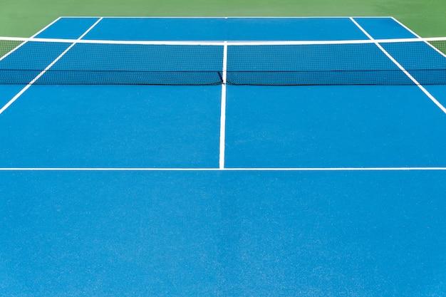 Голубой теннисный корт