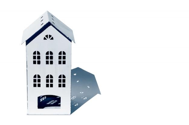 Концепция дома с копией пространства для текста. реальное состояние