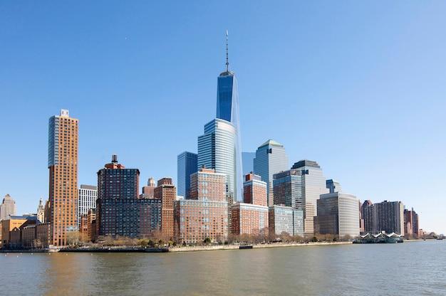 ニューヨークのバッテリーパークの全景。