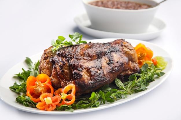 焼き豚ロース肉のソース添え。
