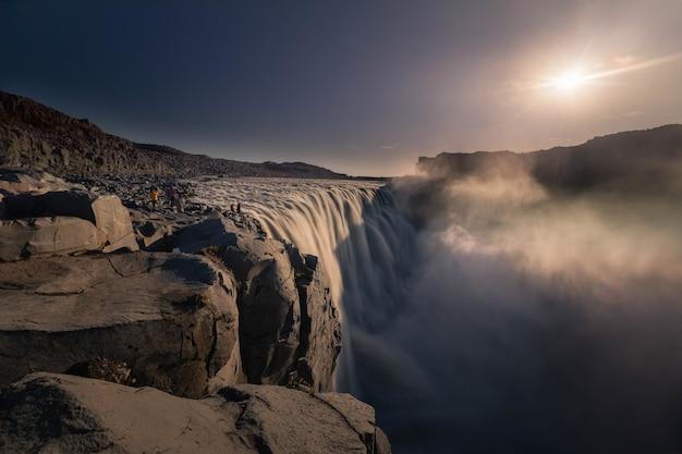 Водопад детифосс в северной исландии.