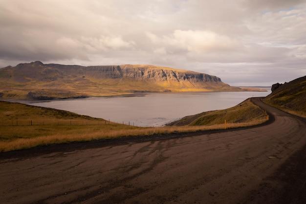 アイスランドを通る道路。